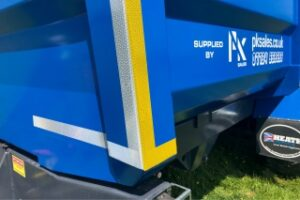 PK Proline trailer with reflective strips