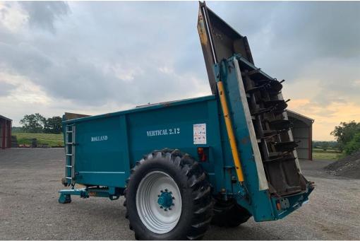 Rolland V2 12 Muckspreader - used farm equipment